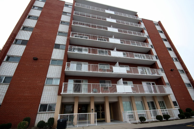 10 WOODMAN DRIVE UNIT 208 CONDO APARTMENT FOR SALE IN EAST HAMILTON