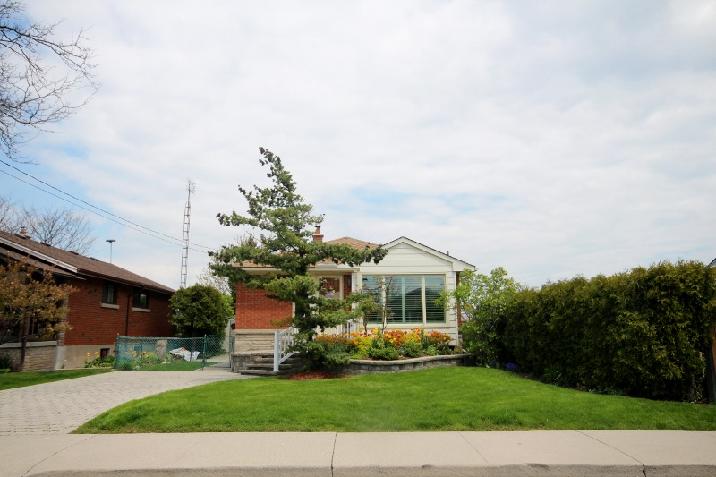 bungalows 1 storey homes houses hamilton ontario real estate