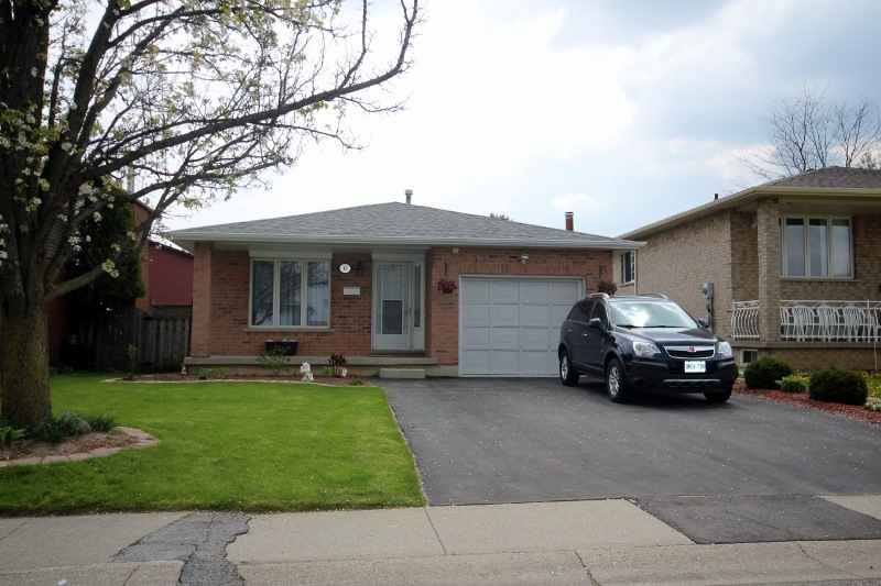 bungalows 1 storey homes houses hamilton ontario real estate listings