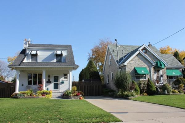 two typical homes in Rosedale hamilton ontario waldi and margaret niburski www.hamiltonhomes-for-sale.com